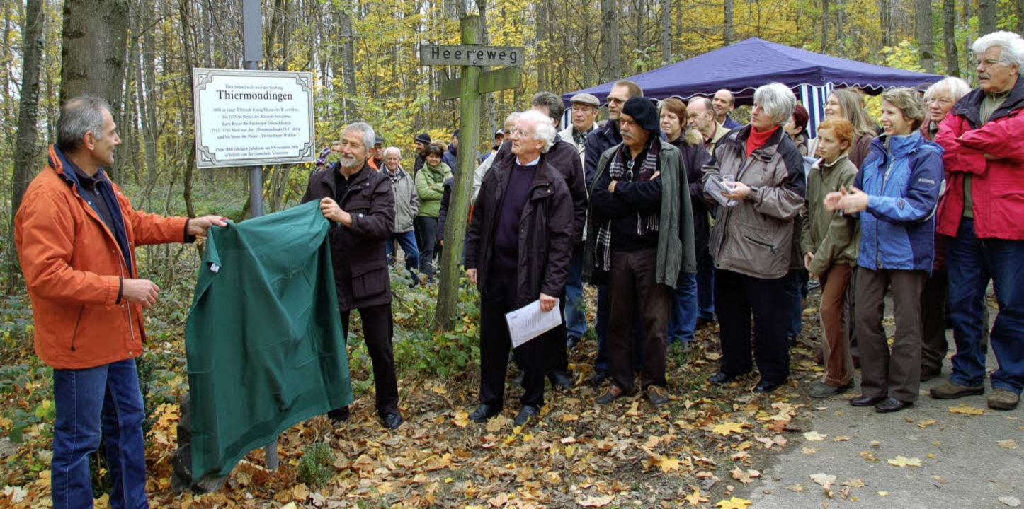 <Bildtext>Karl Meier (von links), Bürg...  Thiermondingen erinnert. </Bildtext>  | Foto: Grättinger