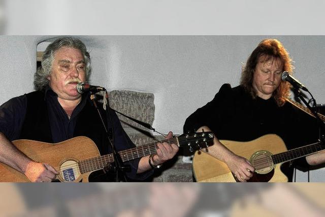 Die Liedermacher zum Anfassen hatten volles Haus