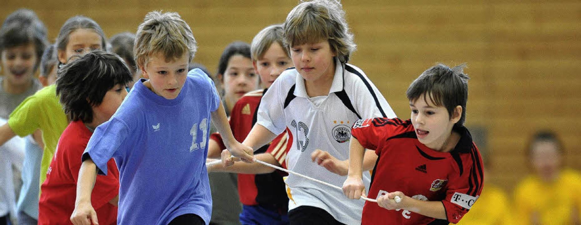 Schulsport kann Spaß machen, wenn er gut ist: Kinder beim Sprinten     Foto: dpa