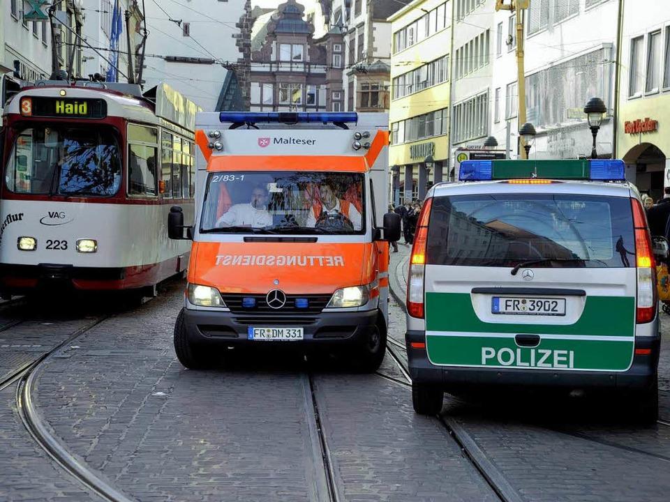 Nichts ging mehr: Freiburgs Innenstadt war über eine halbe Stunde ohne Strom.    Foto: Thomas Kunz