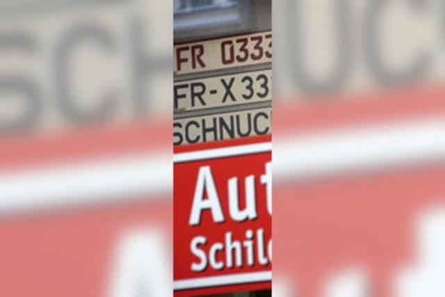 Autokennzeichen zieht mit um