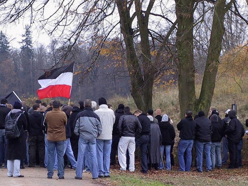 Der NPD-Aufmarsch am Panzergraben.  | Foto: lien