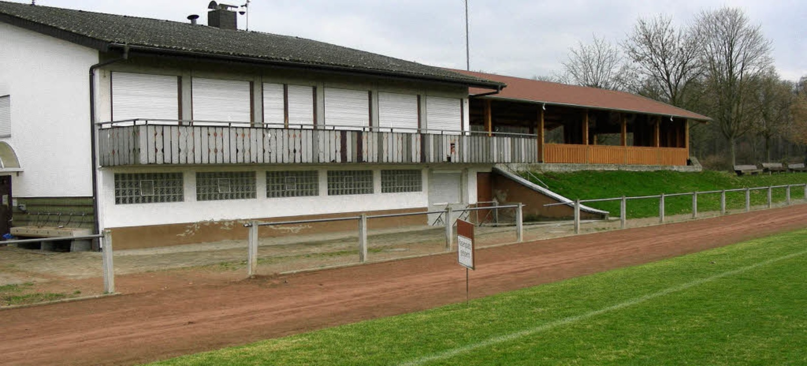 Das Sportheim des SV Gottenheim muss d... nach  Süden  (rechts) versetzt wird.   | Foto: mario schöneberg