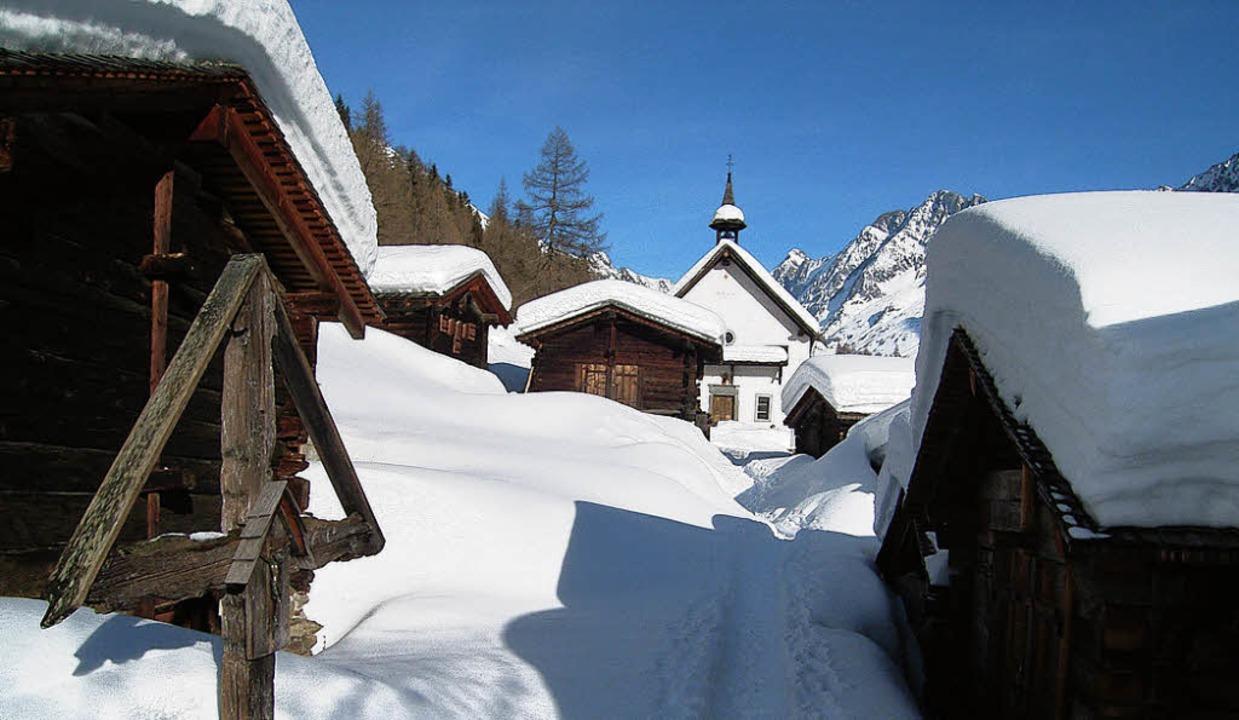 Idylle  in Weiß: das Stalldorf   Kühmatt   | Foto: FOTOS: ROLF MÜLLER
