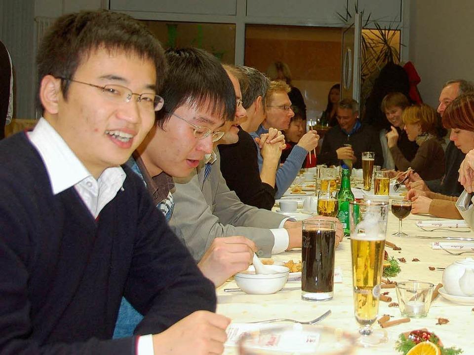 Chinesische Austauschstudenten der BA ...hinesisch-Treffen im Restaurant Lotus   | Foto: britta kuck