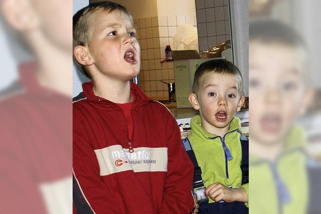 Kinder sangen zur Freude der Senioren