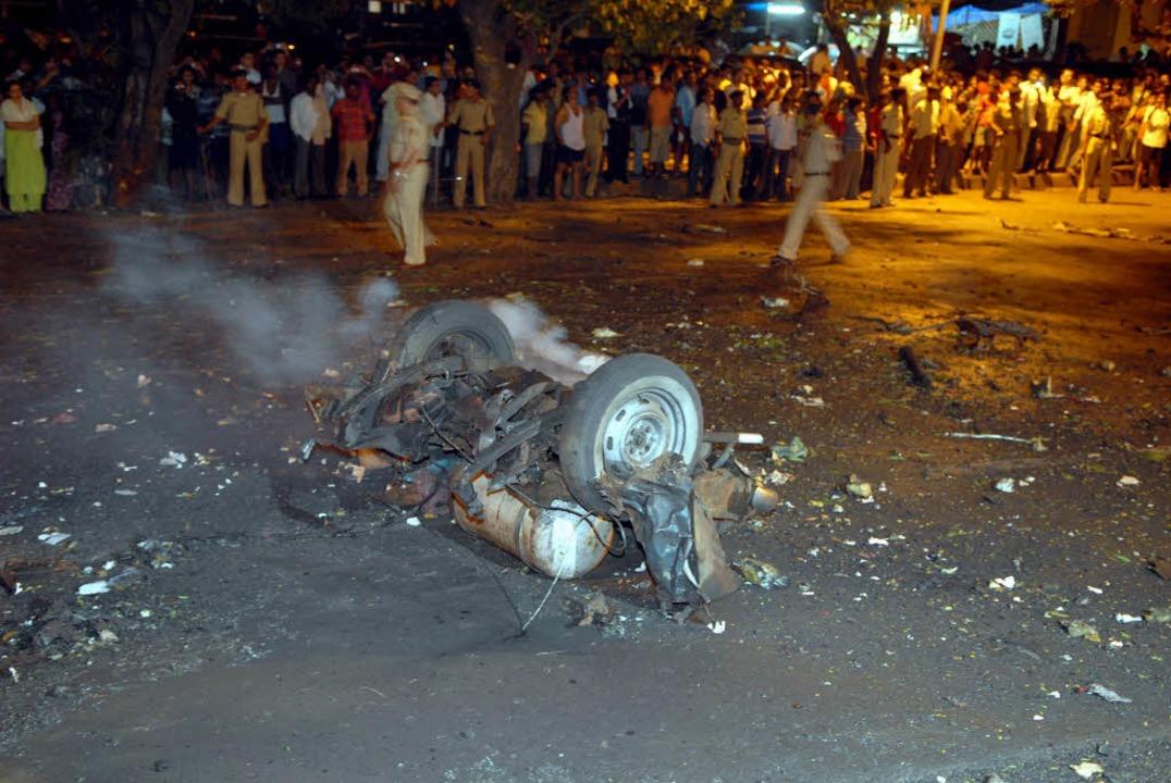 Noch ist unklar, wer die Anschläge ver...cherten Angaben zu der Zahl der Opfer.  | Foto: dpa