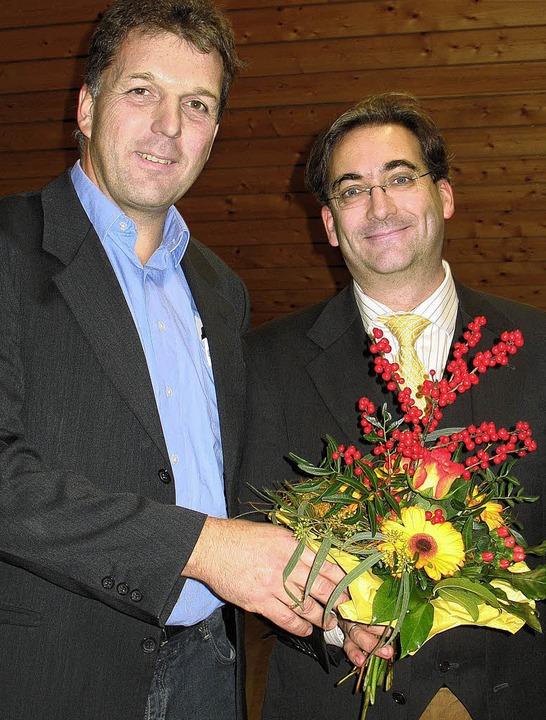 Marco Nolde, stellvertretender Vorsitz...latt, mit Professor Bernhard Richter.   | Foto: privat