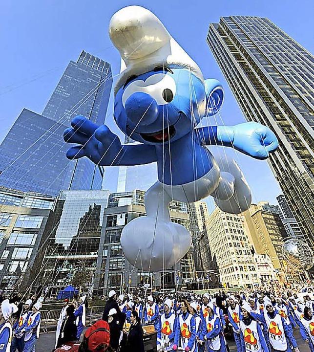 Schlümpfe in New York: Macy's Parade macht's möglich.  | Foto: DPA