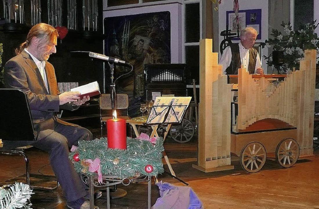 <Bildtext>Jürgen und  Manuel Braun (vo...htszeit im Orgelbauersaal.</Bildtext>   | Foto: Eberhard Weiss