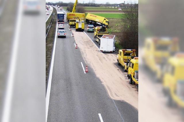 Lasterfahrer stirbt bei Unfall