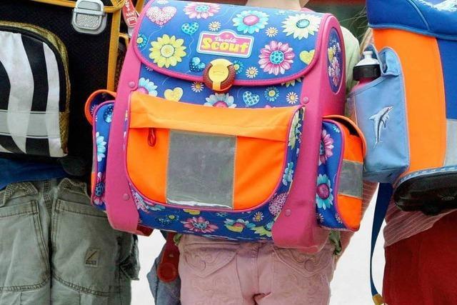 Eltern fordern Regelschule für ihre behinderten Kinder