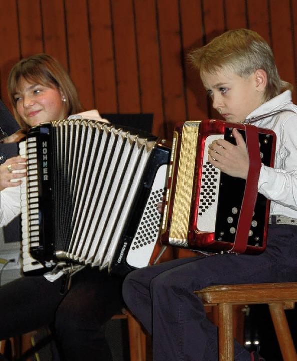 Konzentration und Freude beim Akkordeonkonzert in Reute   | Foto: Pia Grättinger