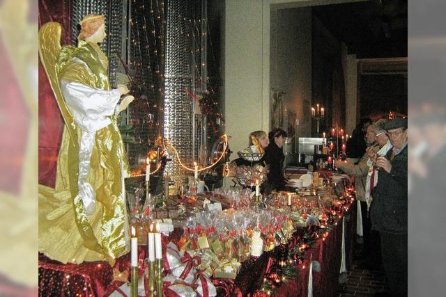 Über 700 Kerzen leuchten