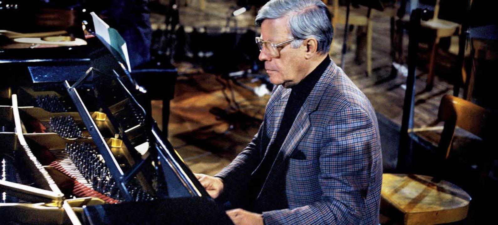 Tastenkünstler: Helmut Schmidt bei den...en von Bachs Konzert für vier Klaviere  | Foto: dg