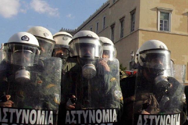 Lage ruhiger – Generalstreik legt Verkehr lahm