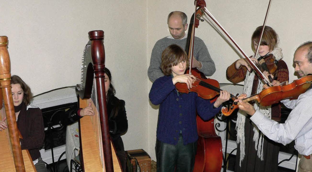 "Alte Tradition belebt: Die ""Bratwurschtmusiker"".   | Foto: Patrick Burger"