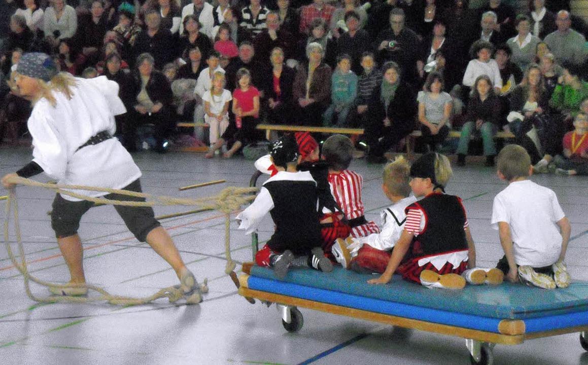 Allgemeines Jungenturnen bei der Jahresfeier des Turnvereins Neuenburg am Rhein     Foto: privat