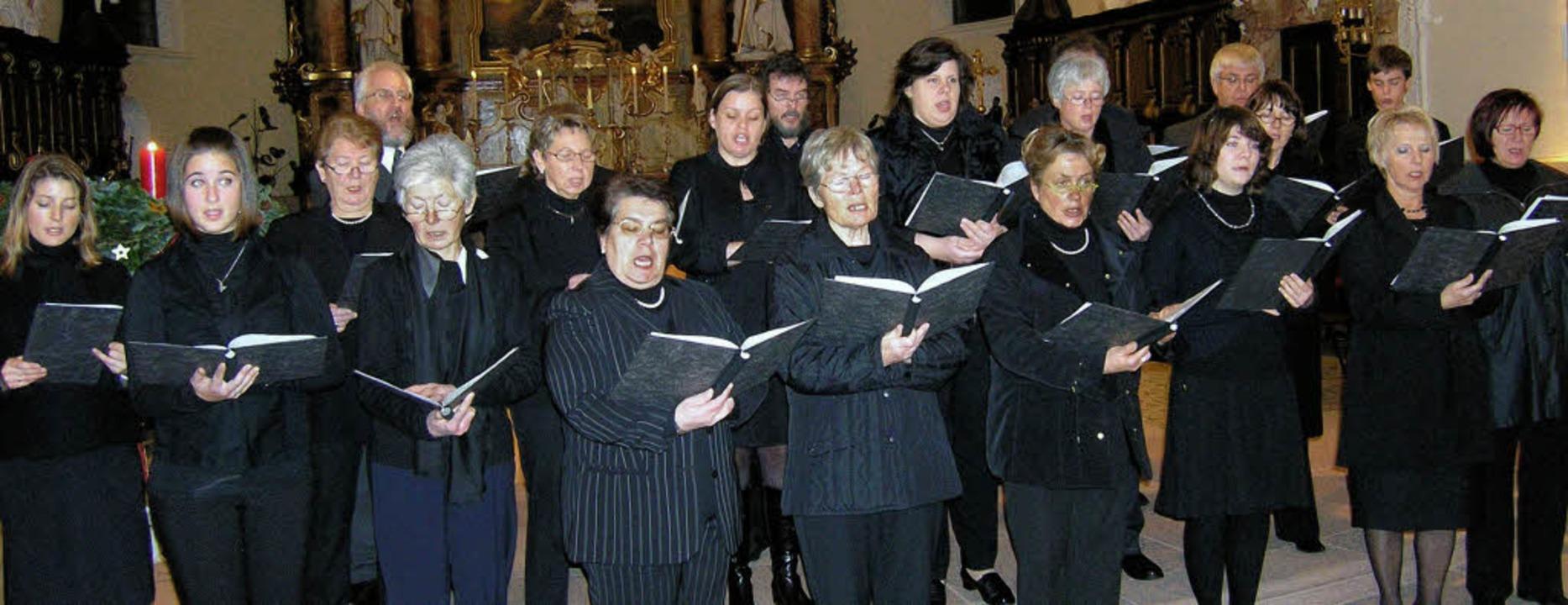 Chor und Orgel sorgten für ein breites Klangspektrum.  | Foto: Michael haberer