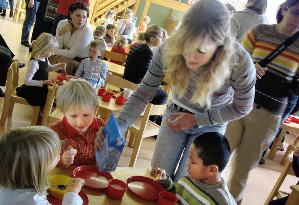 Berufsorientierung mal anders: Thea Le...tikum in einem Prager Kindergarten.       Foto: Thea Leisinger