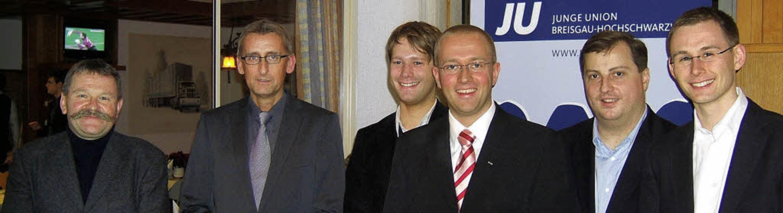 Nach der Wahl (von links):  Bernhard S...Wahlkreis Freiburg,  und Micha Bächle     Foto: privat