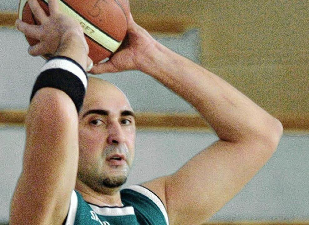 Holte zuletzt 28 Punkte: Spielertrainer Robert Rakovic  | Foto: Peter Gerigk