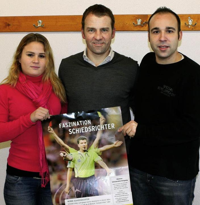 Jungschiedsrichterin Samira Bologna, H...ungschiedsrichterobmann Boris Rexter.     Foto:  Schiedsrichtervereinigung