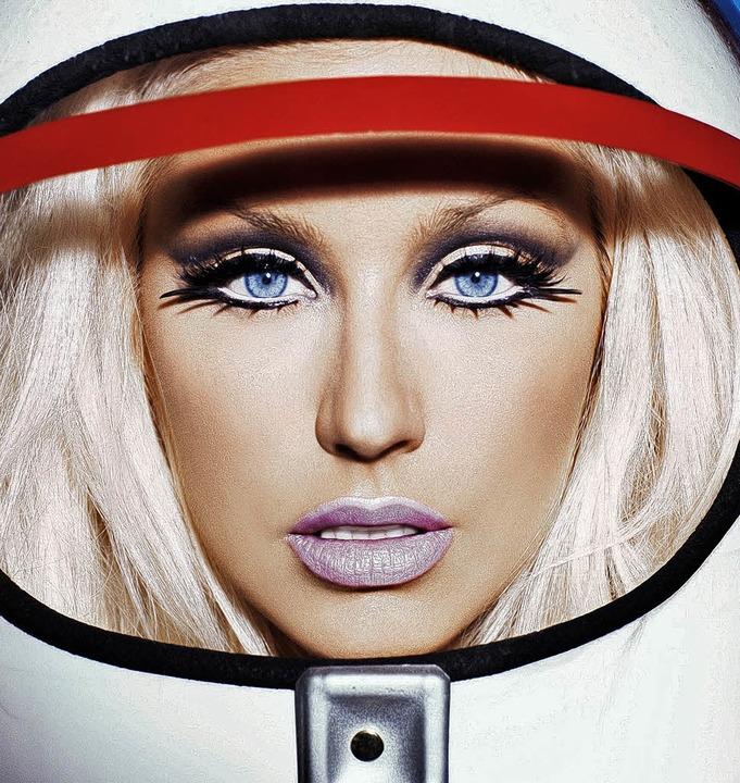"Christina Aguilera als Astronautin: da...rer CD ""A Decade of Hits""   | Foto: BZ"
