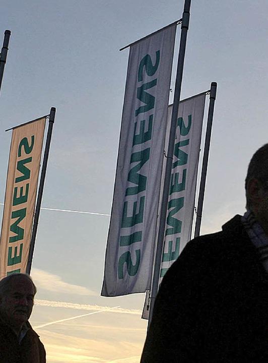 Die Schatten der Vergangenheit holen Siemens  ein.     Foto: ddp