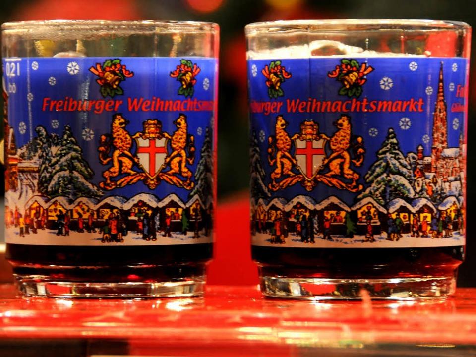 Glühwein hat bestimmt die ein oder andere Kehle auf dem Weihnachtsmarkt geölt.  | Foto: Benedikt Glockner