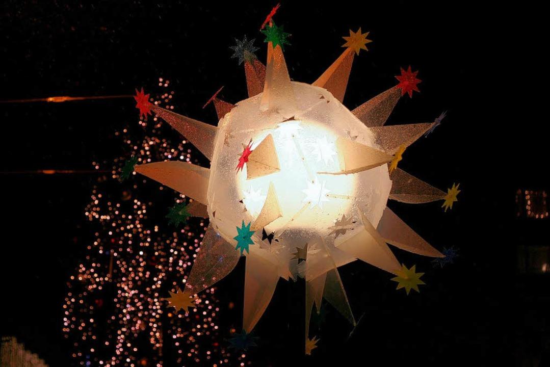Kreativer Weihnachtsschmuck oder überd...sel wird über diese Sterne gestritten.  | Foto: Binaca Fritz