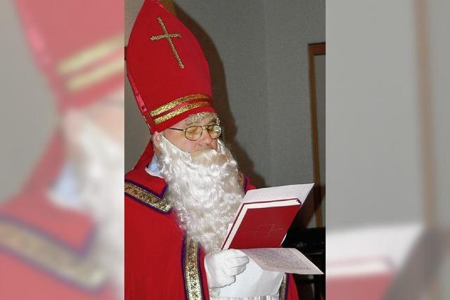 Nikolaus besucht Senioren