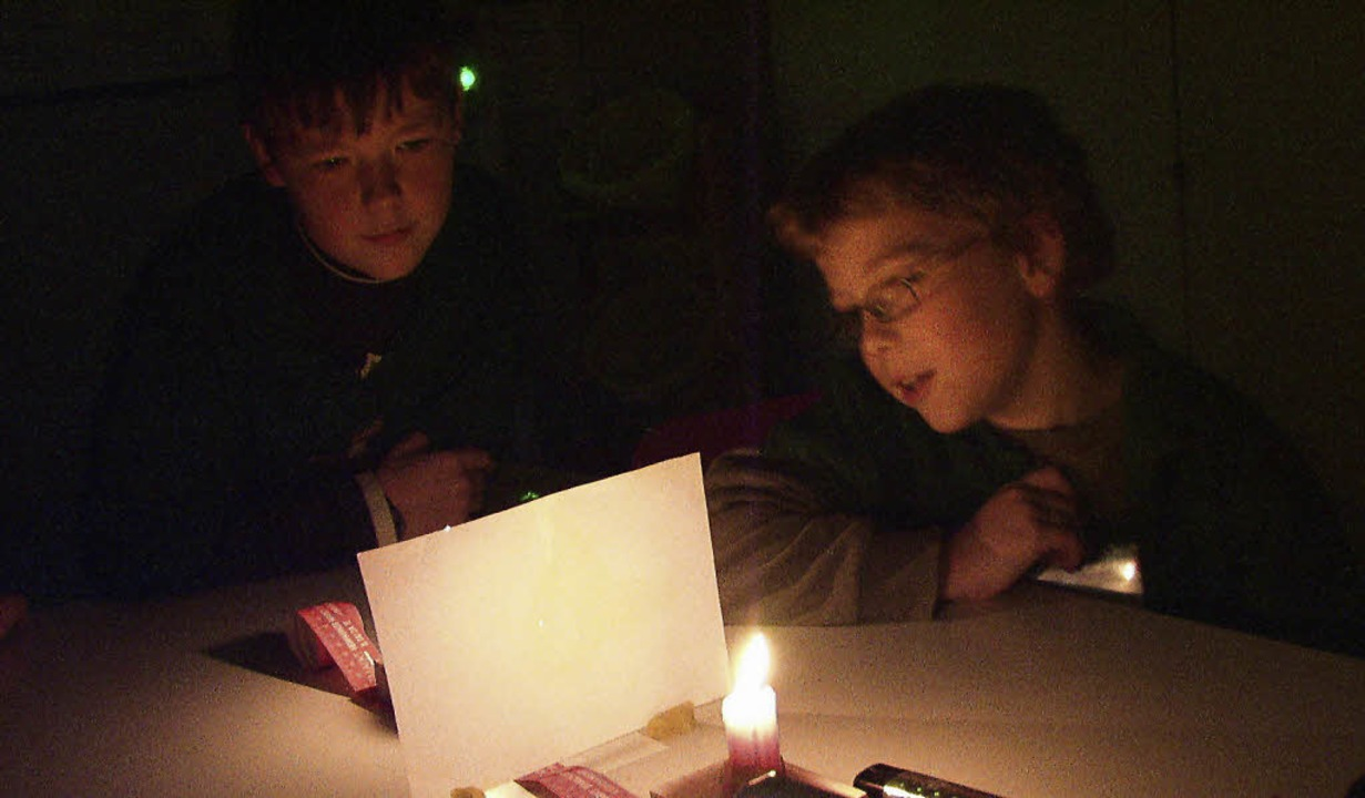 Wo beginnt der Schatten der Kerze?     Foto: Privat