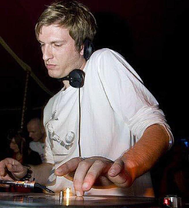 Er wechselt die Platten zum Jahreswechsel: DJ Maciste.     Foto: BZ