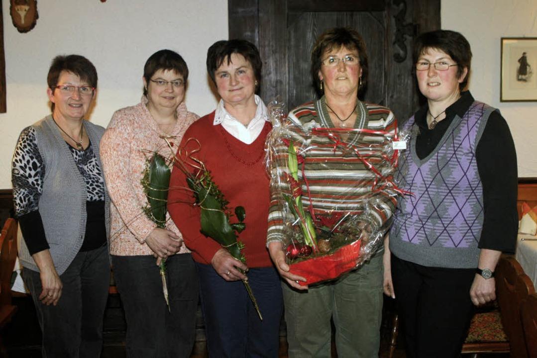 Landfrauen des Elztals und Simonswälde... Jahren im Vorstand aktiv (von links).    Foto: Gerda Oswald