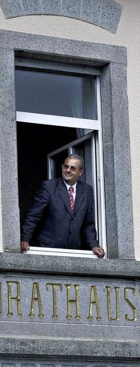 Hält Bürgermeister Schwald schon Aussc...en zur Rückkehr zur Hauptamtlichkeit.   | Foto: Kanmacher