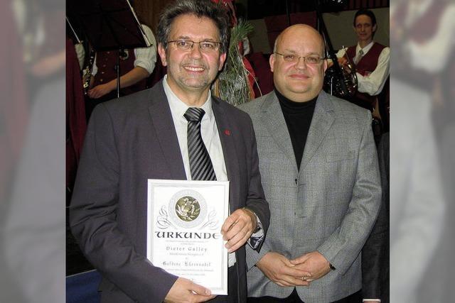 Neue Ehrenmitglieder beim Musikverein
