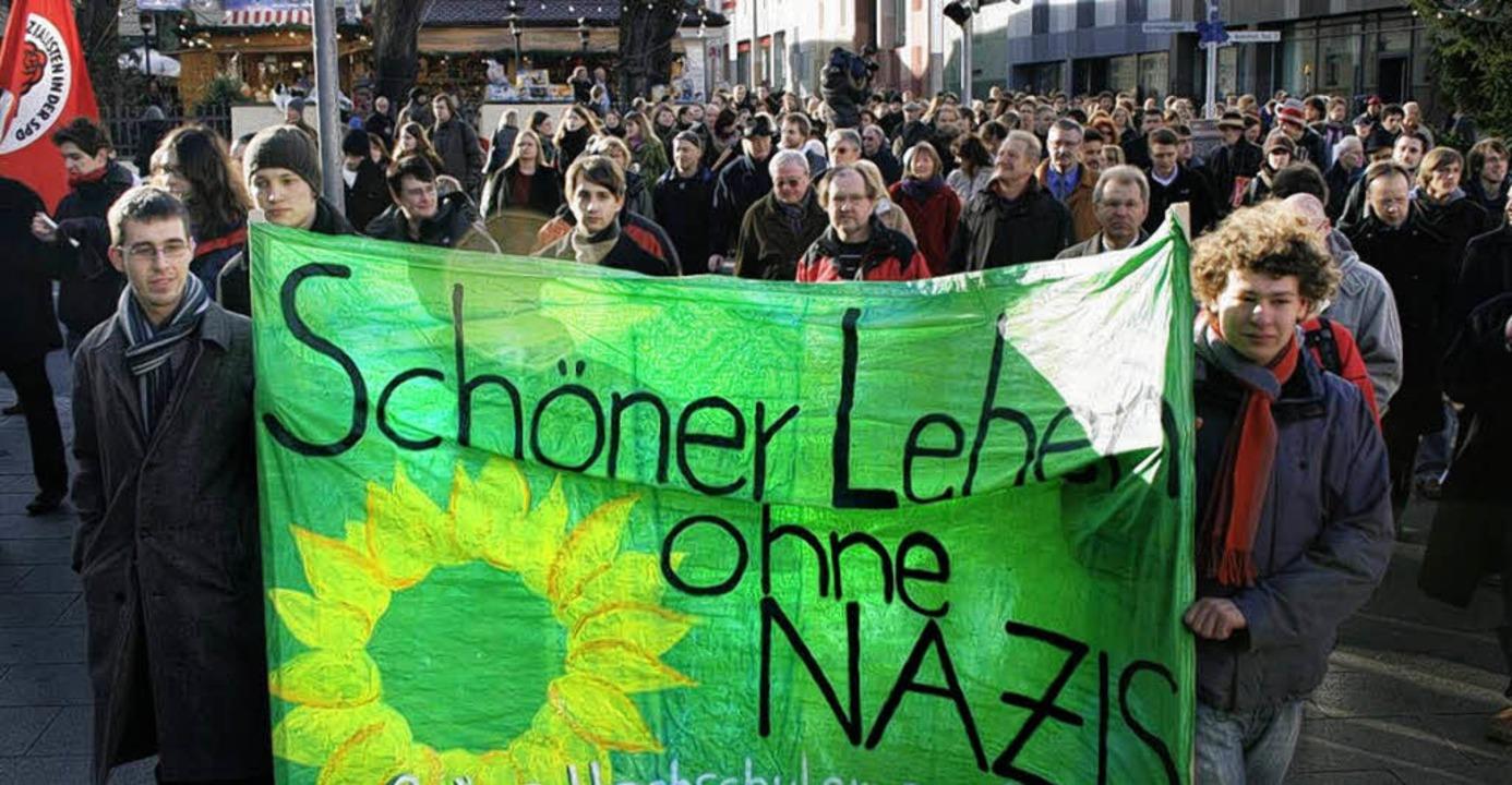 Protest in Passau: spontane Kundgebung gegen rechts    Foto: DDP/dPA