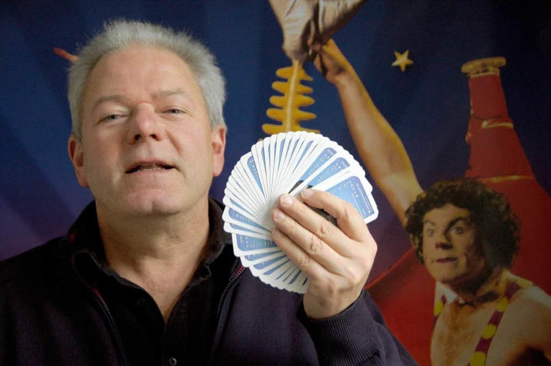 Zauberer Sebastian Mack organisiert den Zirkus Circolo  | Foto: Sarah Nagel