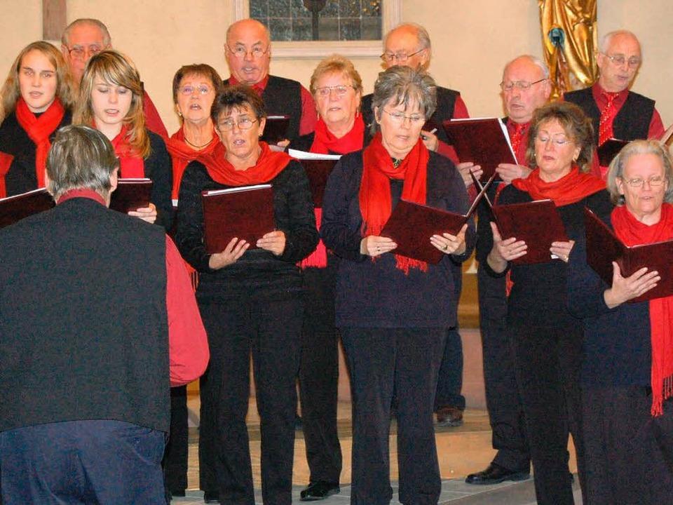 Mit schönen Weisen stimmte der Gesangv... Konkordia auf die Weihnachtszeit ein.    Foto: Ingrid Mann