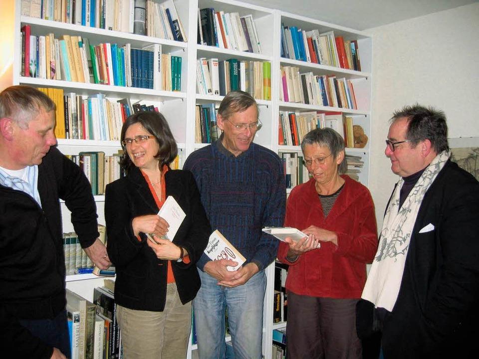 Der Vorstand der Lesegesellschaft:  Be...igitte Zwahl-Weiss und  Armin Leitner   | Foto: Beil