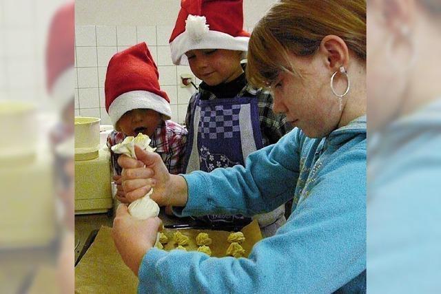 Kinder feierten den Advent
