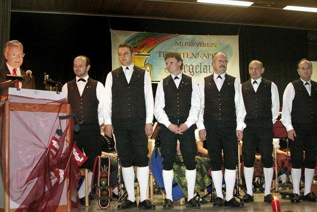 Zusammen machten sie 195 Jahre Musik in Siegelau