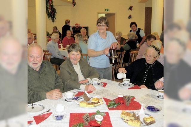 Senioren freuten sich über Adventsnachmittag