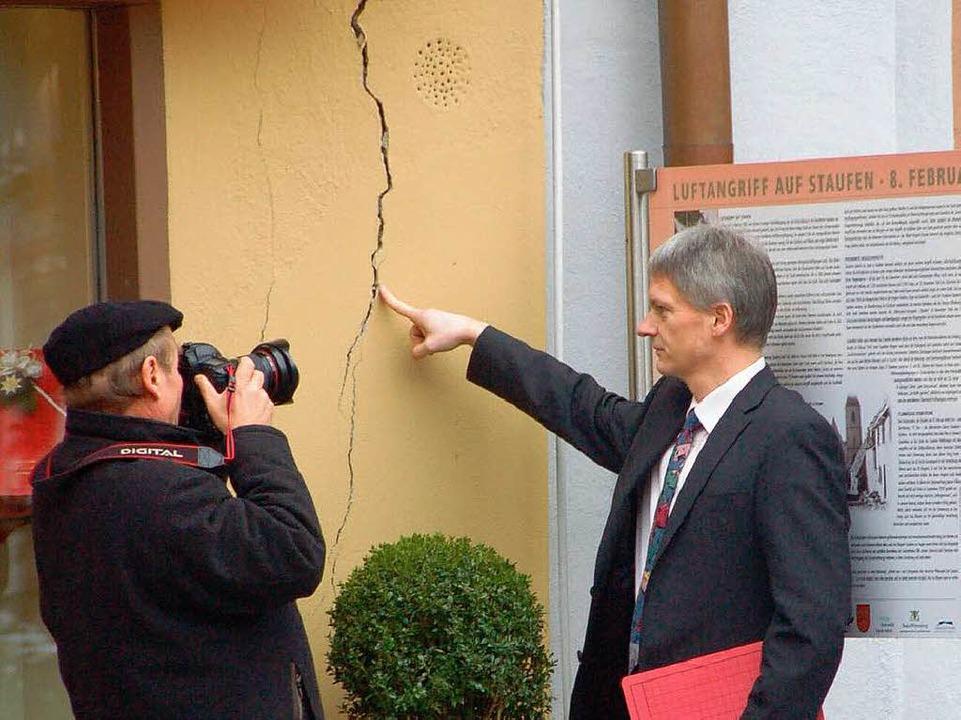 Schadensbild an der Fassade des Rathaus-Cafés  | Foto: Markus Donner