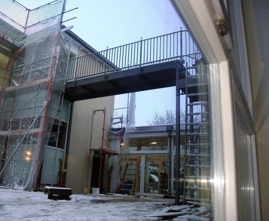 Noch sind die neuen Räume nicht fertig... ist in Binzen aber schon eingepasst.     Foto: Langelott