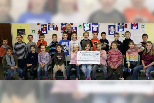 Grundschüler helfen armen Familien