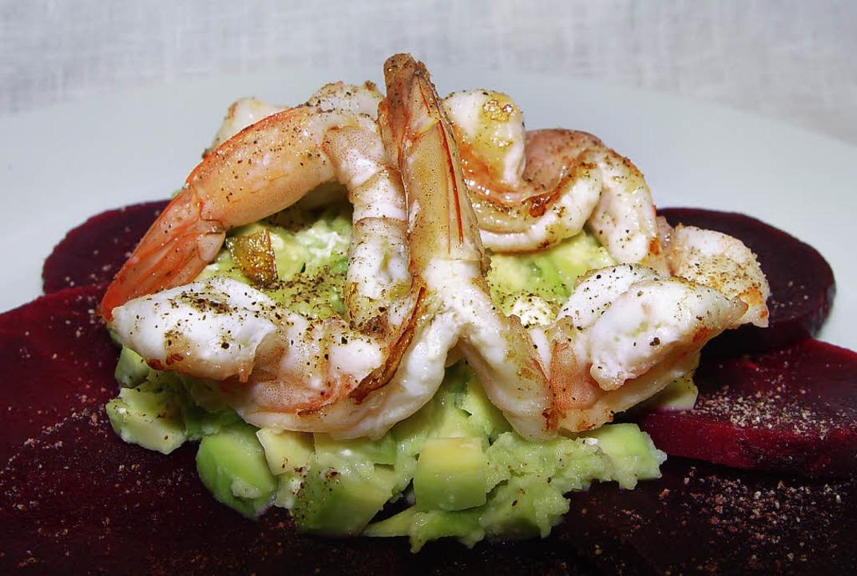 Rote Beete und Avocado-Salat  | Foto: Stechl