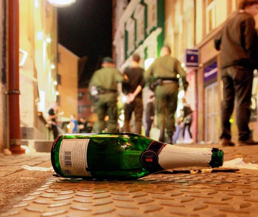 Alkoholisierte Schläger hat die Polize...ner Gengenbacher Diskothek verhaftet.   | Foto: dpa