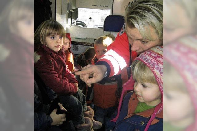 Kinder im Rettungswagen
